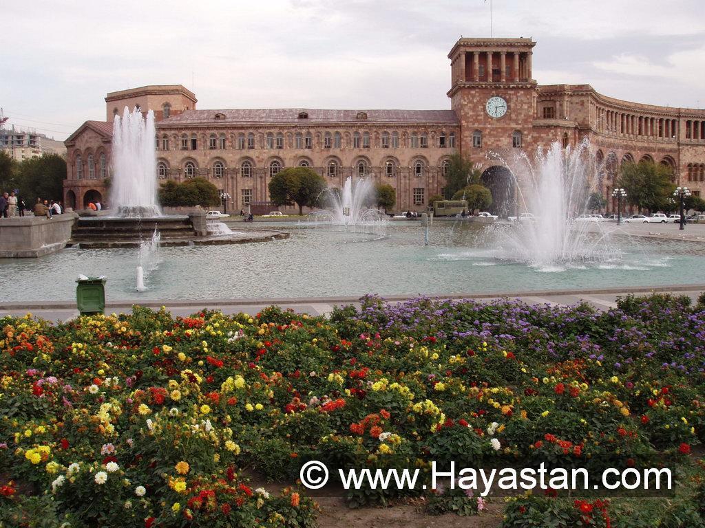 Armenia_Yerevan_Republic_Square_4.JPG