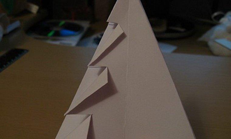 Как сделать маленькую бумажную елочку подарить близким