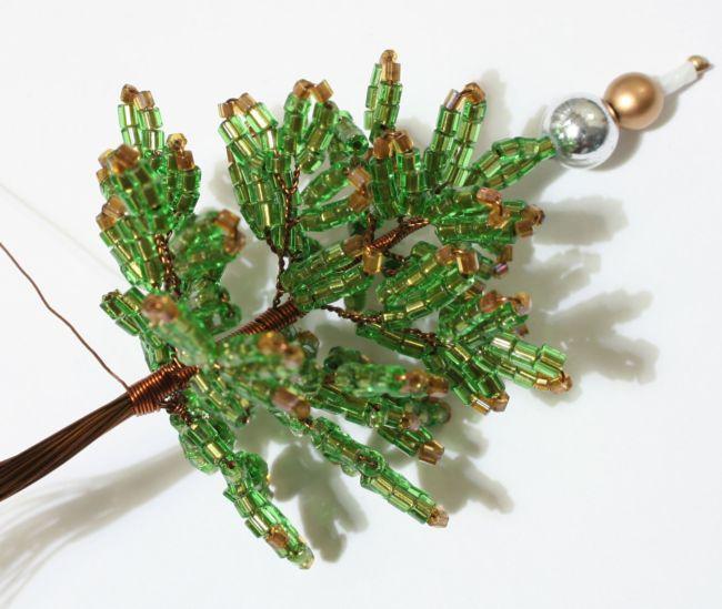 Плетения елки из бисера своими руками
